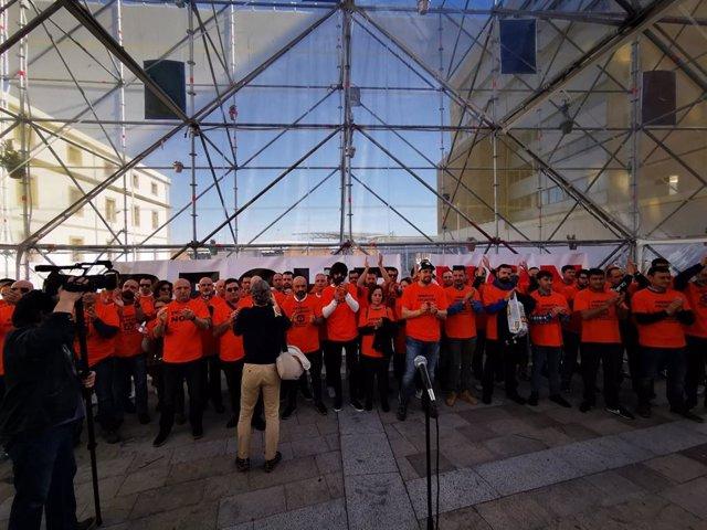 """Trabajadores de Alcoa muestran la parte """"más humana"""" del posible cierre de la fa"""