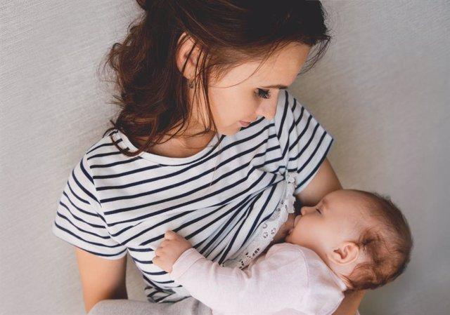 La lactancia prolongada asegura muchos beneficios