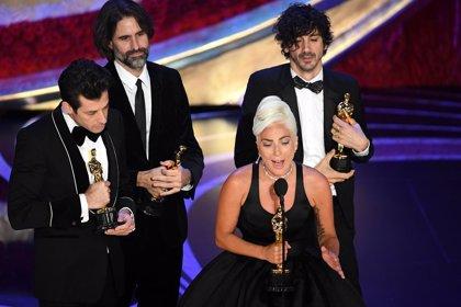 Así fue el inspirador discurso de Lady Gaga tras recibir el Oscar a la mejor canción (VÍDEO)