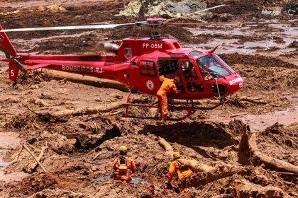 Más de 130 personas siguen desaparecidas un mes después del derrumbe de la presa en Brasil