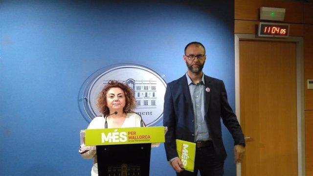 Los diputados de MÉS per Mallorca, Joanaina Campomar y Miquel Gallardo