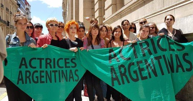 Actrices argentinas exigen que se esclarezcan las causas de la muerte de Natacha