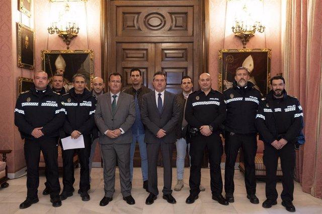 Ayuntamiento refuerza la estructura de la Policía Local en los barrios con siete
