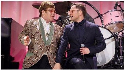VÍDEO: Elton John y 'su álter ego' Taron Egerton interpretan a dúo Tiny Dancer