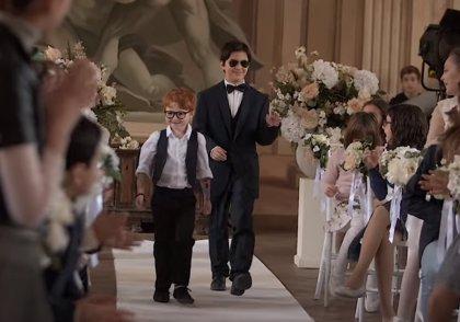 Andrea Bocelli y Ed Sheeran estrenan el simpático e 'infantil' videoclip de Amo soltanto te
