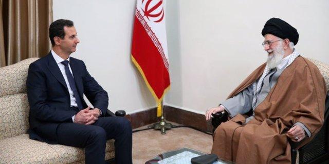 Bashar al Assad con Alí Jamenei