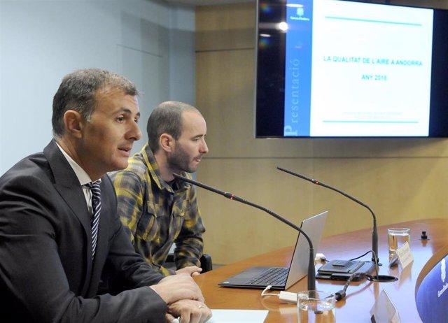 Marc Rossell (dtor.Medio Ambiente Andorra) Oriol Travesset (Observatori de la So