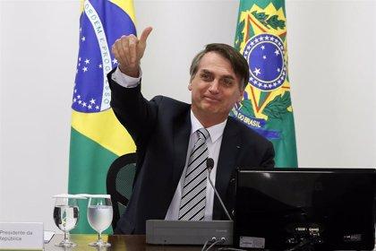 El Gobierno de Brasil pide que en las escuelas se lea en voz alta el eslogan de Bolsonaro