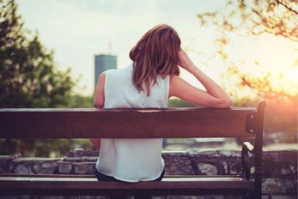 Largas horas de trabajo aumenta el riesgo de depresión en mujeres