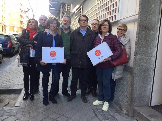 """De la Rocha presenta 450 avales para las primarias del PSOE y dice que la """"verda"""