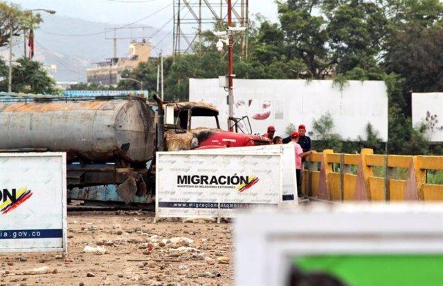 Colombia prolonga durante 24 horas más el cierre de los pasos fronterizos con Ve