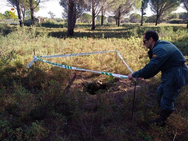 La Gurdia Civil descobreix set pous illegals sense seguretat a Girona