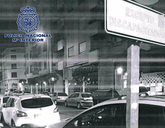 Detenida una persona por falsificar la tarjeta para aparcar en plazas reservadas
