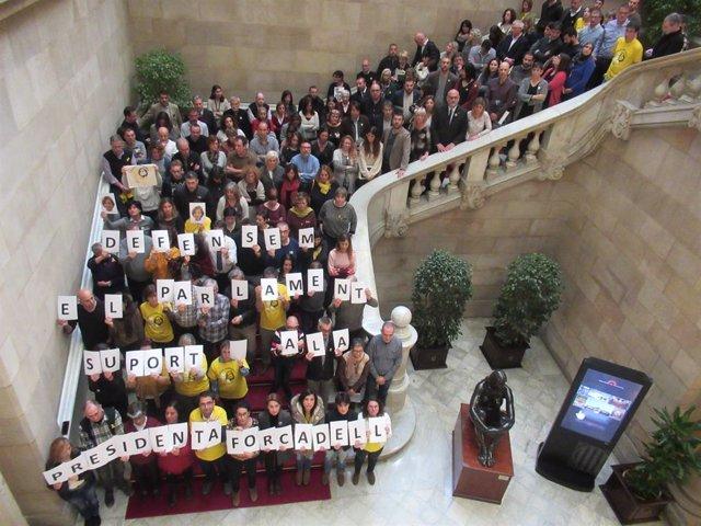 Treballadors i diputats del Parlament protesten per l'empresonament