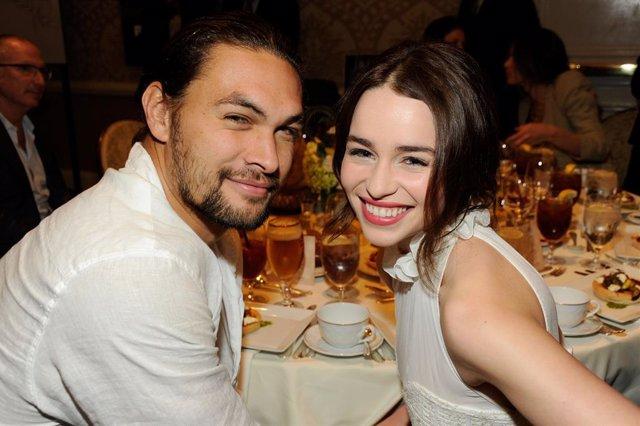 Jason Momoa Y Emilia Clarke, Actores De Juego De Tronos