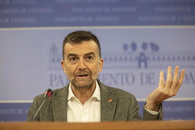 El portavoz Adelante Andalucía, Antonio Maíllo, en rueda de prensa hace unas sem
