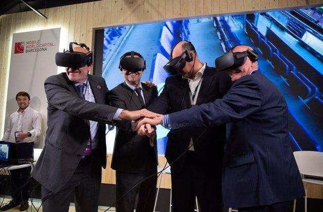 Carlos Grau, Josep Maria Bartomeu, Emilio Gayo i John Hoffman a l'MWC