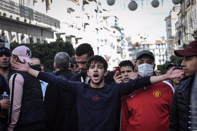 Protestas en Argelia contra la candidatura de Abdelaziz Buteflika a un nuevo man