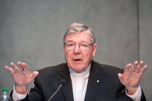 Vatican names new finance team
