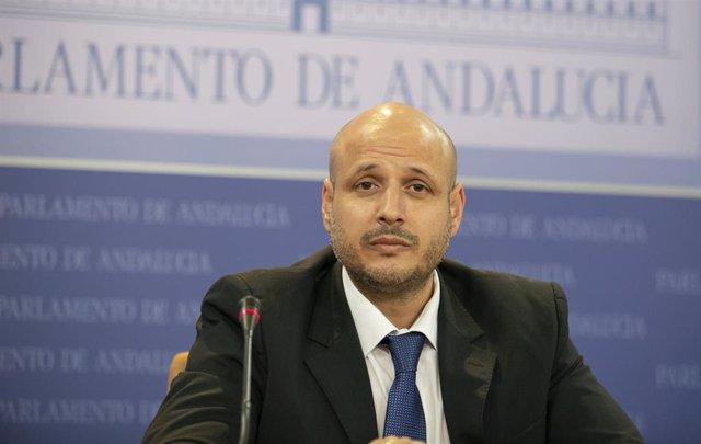 El portavoz adjunto de Vox en el Parlamento, Rodrigo Alonso, este miércoles en r