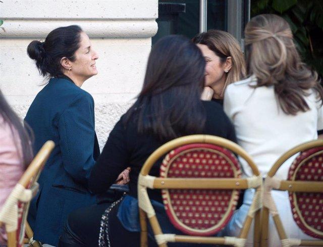 3ca4c761d65 Carolina Adriana Herrera se refugia en el cariño de sus amigas en Madrid