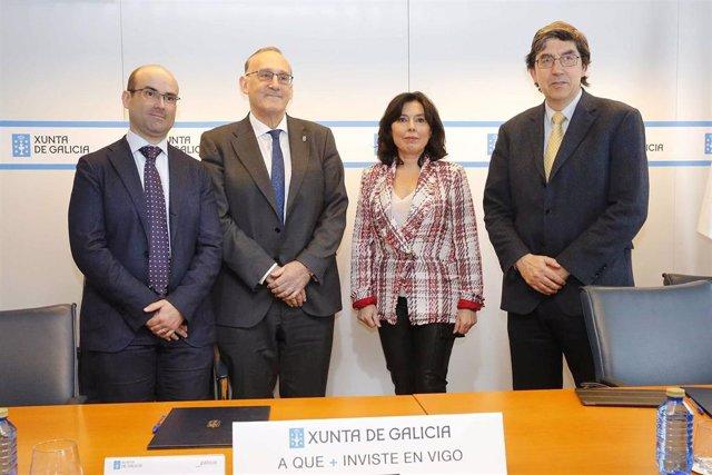 La directora de la Amtega, el delegado territorial de la Xunta y el rector de la