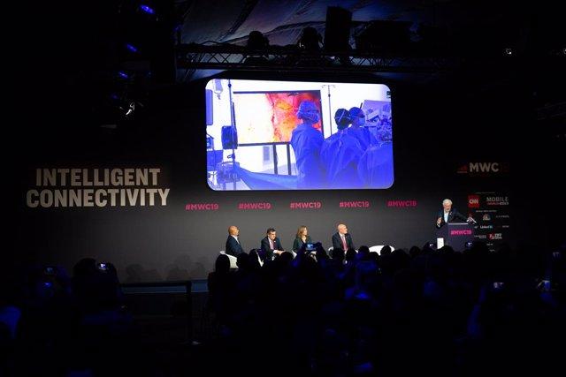 Presentación de una operación quirúrgica con 5G en en el Mobile World Congress B