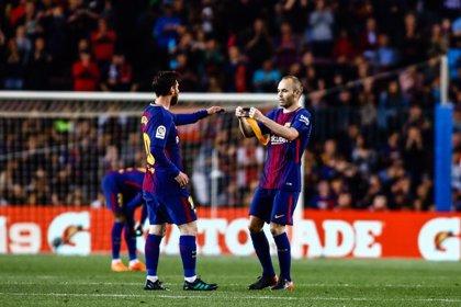 """Iniesta: """"Messi es único, podría jugar hasta cuando quiera"""""""