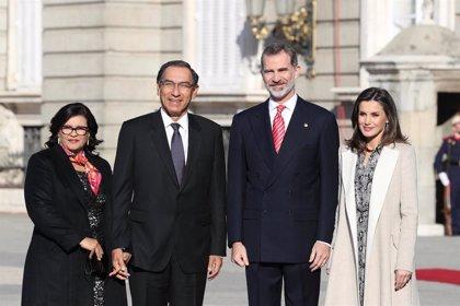 El presidente de Perú invita a los Reyes de España a visitar su país en el bicentenario de su independencia en 2021