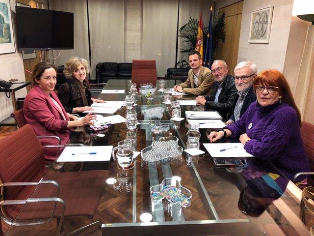 """Defensa de la Sanidad Pública pide a Carcedo medidas para """"recuperar los destroz"""