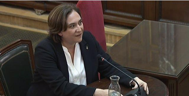 Ada Colau declara com a testimoni en el judici pel procés