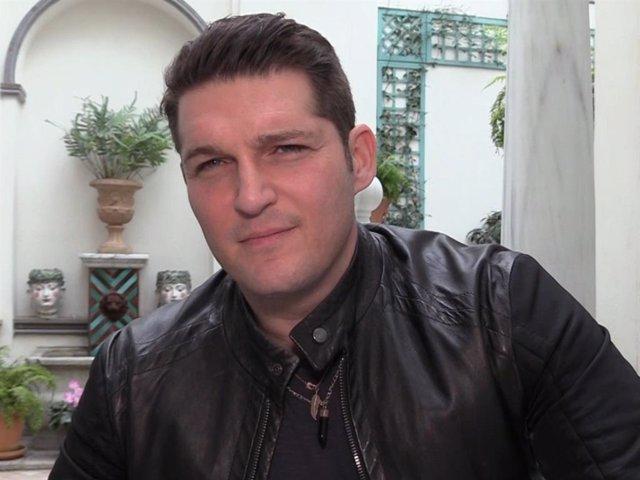 Manu Tenorio confiesa que no tiene una relación cercana con Bustamante y David B