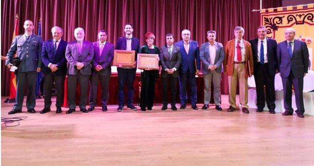 La FAMP recibe un premio en Encinarejo por su labor en defensa de las ELA con mo