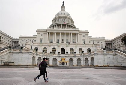 Los senadores estadounidenses proponen un proyecto de ley para permitir que miles de venezolanos permanezcan en EEUU