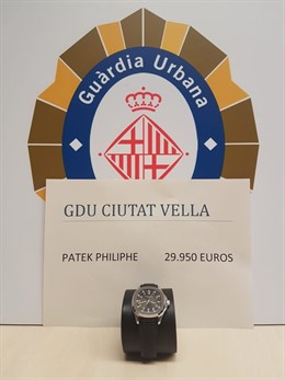 La Urbana recupera un reloj de 30.000 euros robado a un turista en Barcelona.