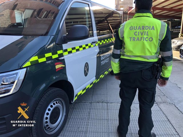 La Guardia Civil ha investigado a un conductor en La Rioja por circular a más de