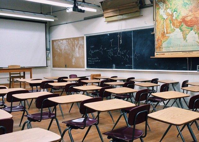Anuncian un paro nacional de maestros en Argentina durante 72 horas que retrasar