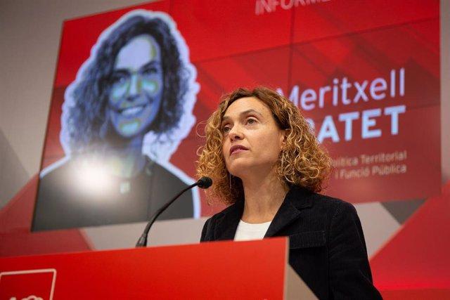 La ministra M.Batet interviene ante el Consell Nacional del PSC en una foto de a