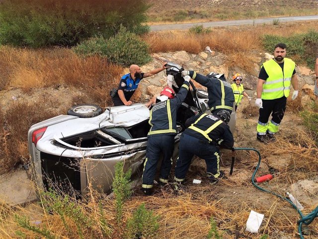 Imagen del accidente de tráfico con heridos, vuelco en Mazarrón