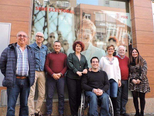 Adriana Valverde (PSOE) presenta con su equipo su proyecto para Almería