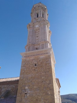Finalizan las obras de la torre de la Iglesia de Josa (Teruel)