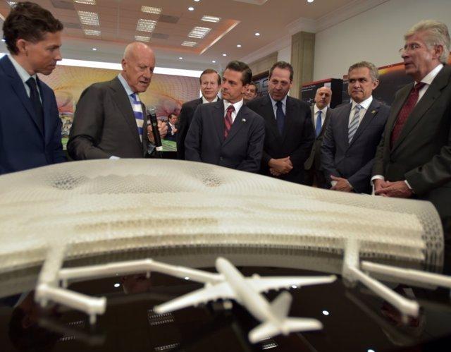 Peña Nieto y Norman Foster, nuevo aeropuerto México