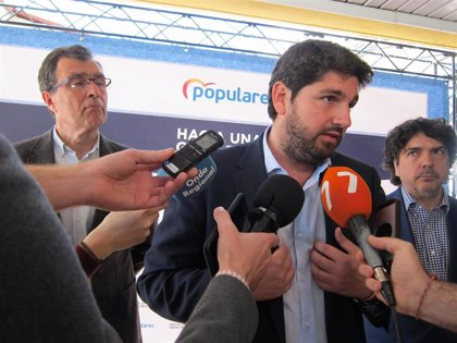 López Miras anuncia transporte gratuito para los alumnos de Bachillerato a partir de la próxima legislatura