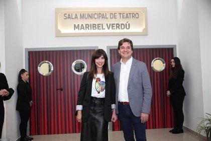 La actriz Maribel Verdú da nombre al teatro del centro cívico de La Serna de Fuenlabrada