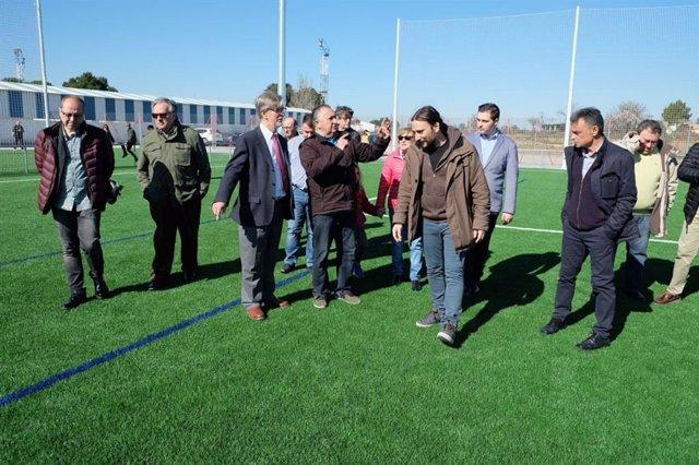 El Ayuntamiento de Zaragoza inaugura el nuevo Campo de Fútbol de Casetas tras un