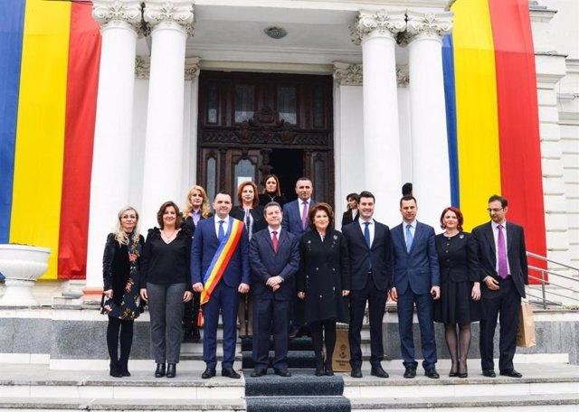 El presidente de C-LM, Emiliano García-Page, visita Targoviste (Rumanía)