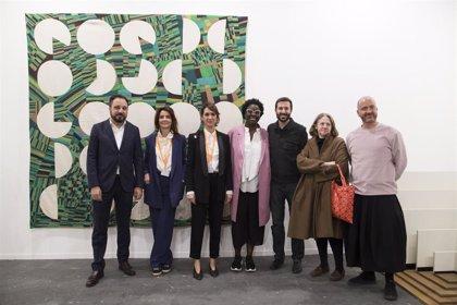 La Comunidad premia en ARCO las obras de Asunción Molinos Gordo y Mercedes Azpilicueta