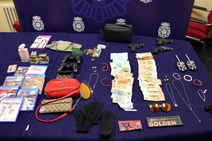 Dos mujeres detenidas por varios robos con fuerza en viviendas de Zaragoza