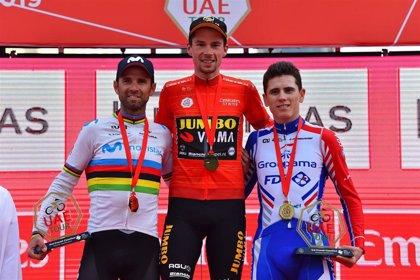 Roglic reina en el Tour de los Emiratos Árabes Unidos por delante de Valverde