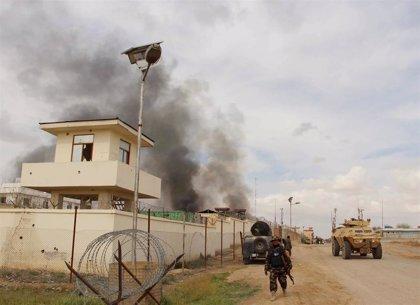 Al menos 50 muertos en un ataque talibán contra una base militar en Helmand